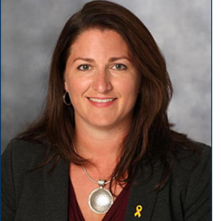 Dr.  Heidi  Cramm