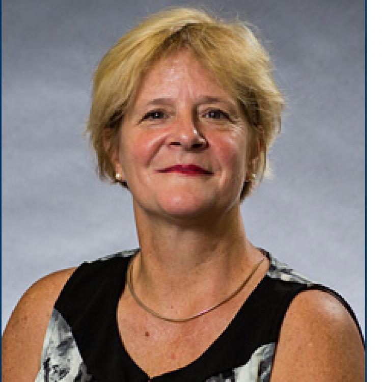 Dr.  Lucie  Pelland